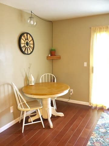 Townhouse within walking distance of EIU