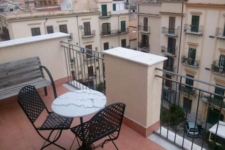 A terrace on the roofs of Palermo - Palermo - Apartment