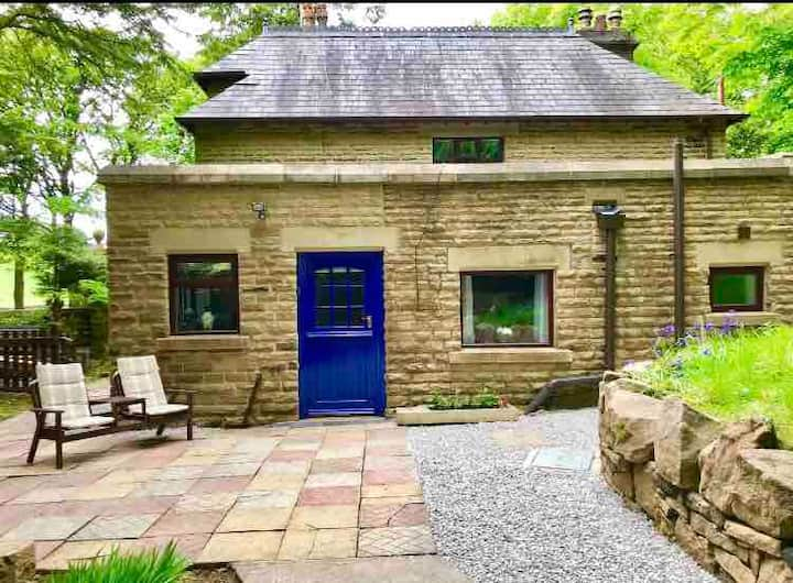 Moorfield Garden Apartment, Glossop, Peak District
