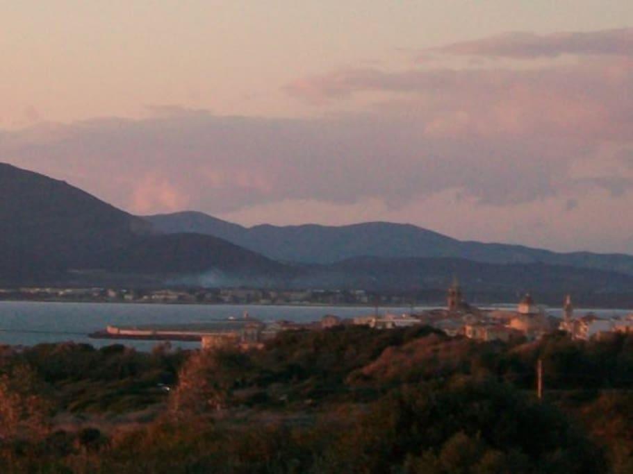 Vista panoramica su Alghero dal grande terrazzo