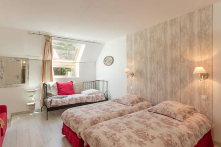 Quad room-Standard-Ensuite with Shower-Garden View-Chambre Campagne