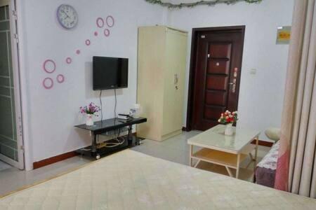 2室2厅精装修 家具家电齐全