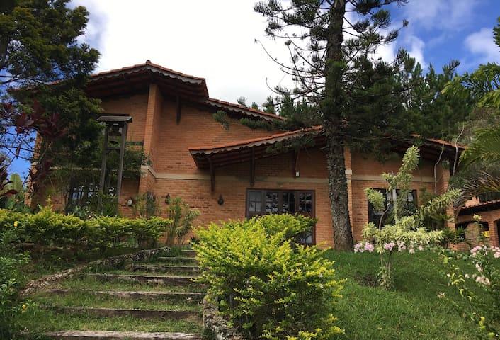 Casa de Campo na Serra da Mantiqueira -Barbacena