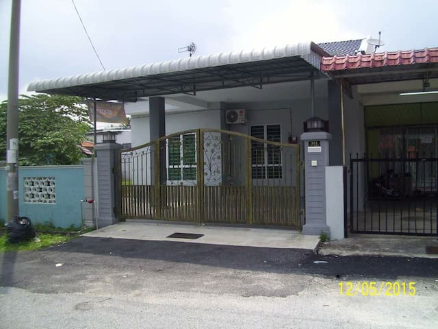 Pak Din Homestay - Seremban - บ้าน