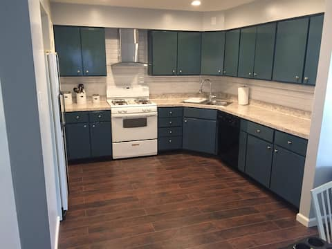 Lovely Duplex Close to Downtown St. Louis
