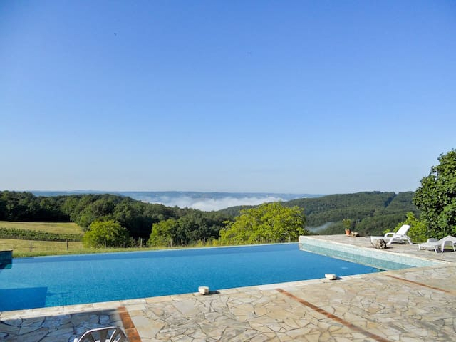 Converted farmhouse w/ pool - Beynac-et-Cazenac - Ev