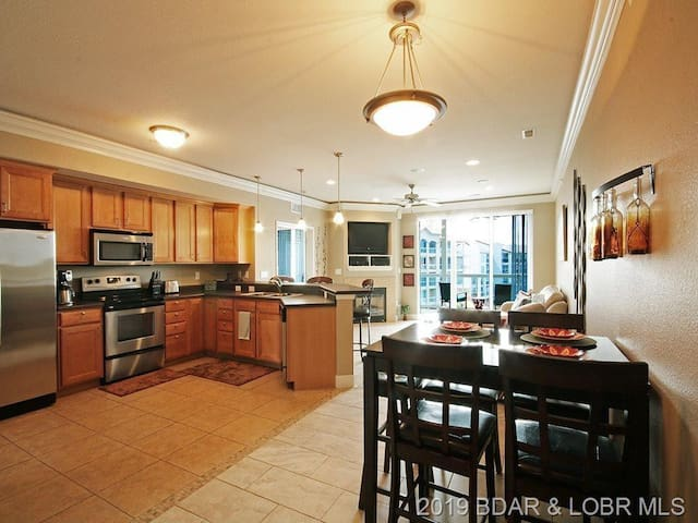 Luxury Condo at Lands End Lake of the Ozarks