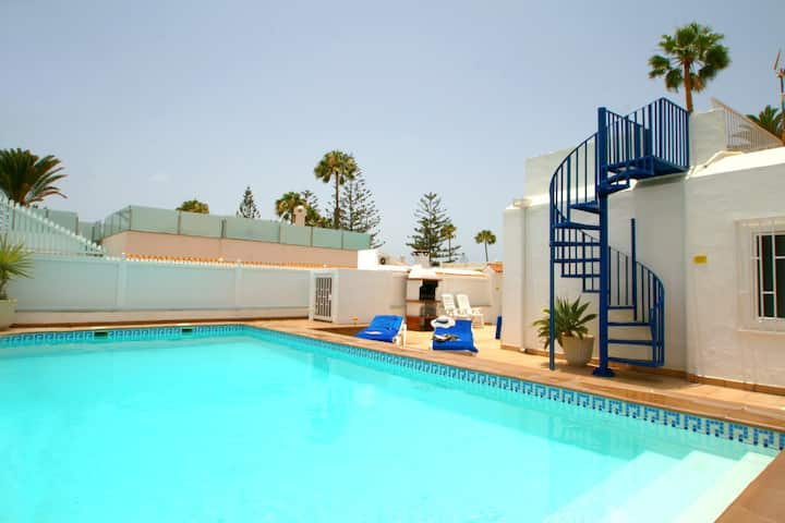 VILLA BAHAMAS, Playa Del Ingles, with private pool