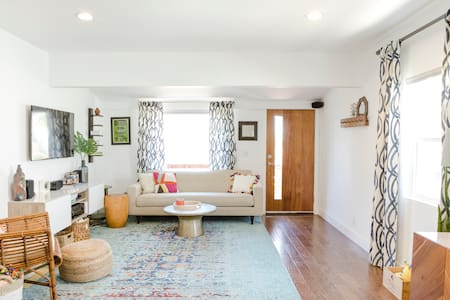 Modern 3 BR family-friendly home with yard