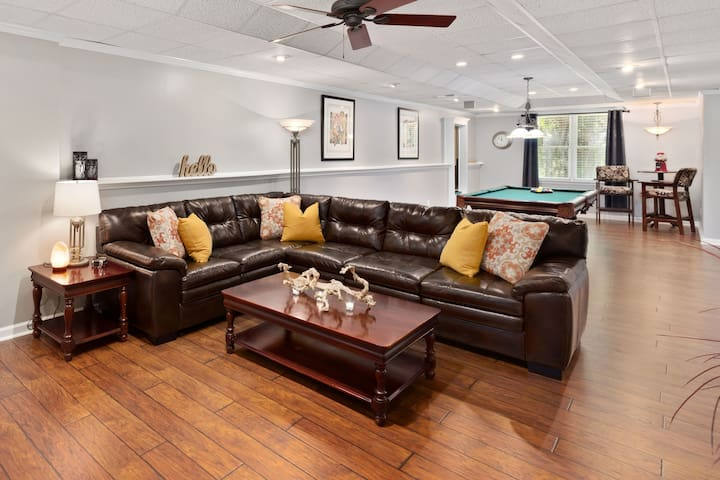 Large & Private Suite w/Kitchen - Canton/Woodstock