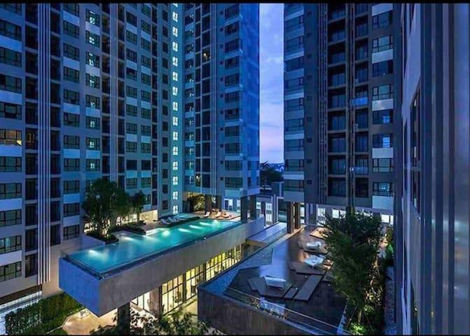 The base #.....芭提雅网红公寓,距海边两百米,购物方便!