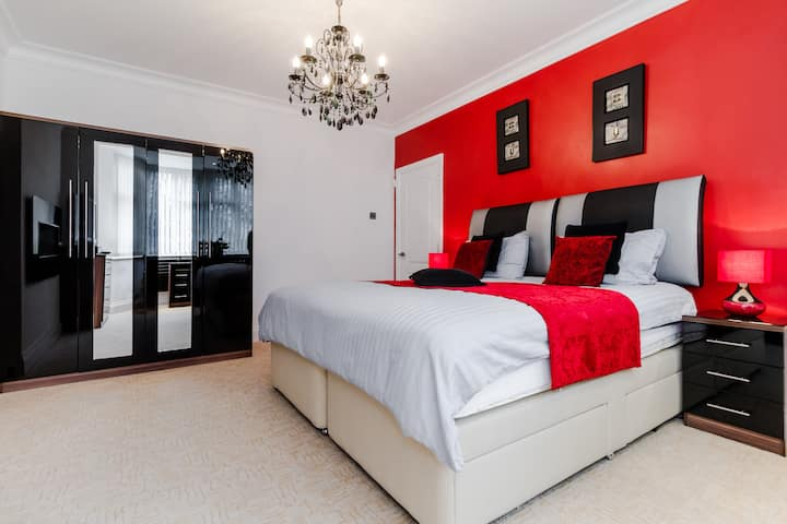 Cockfosters: Superior Double/Twin Room