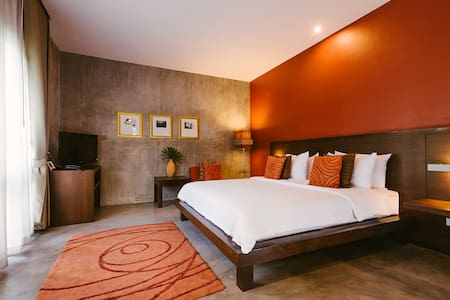 Peaceful & Comfy stay in historical Wat Kate area