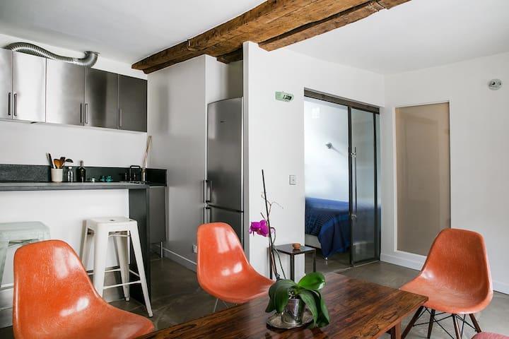PARIS HYPER-CENTER - 2 rooms - Rue Montorgueil