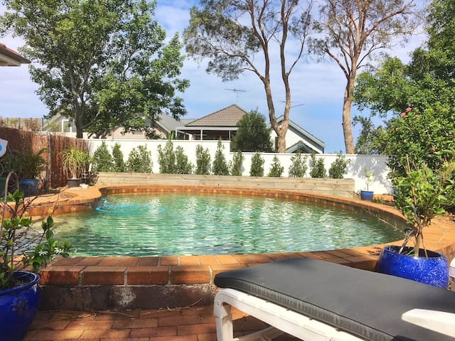 Beach house Oasis with swimming pool & lush garden - Coogee - Casa