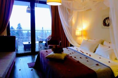 Mythos Luxury Rooms
