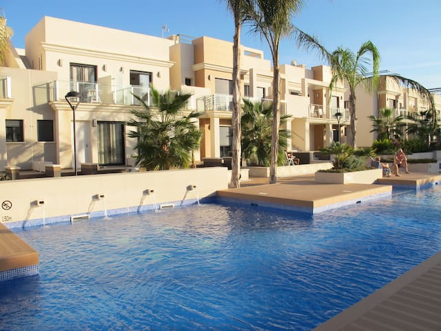 La Zenia, Zenia Beach-Luxurious town house - Orihuela - Townhouse