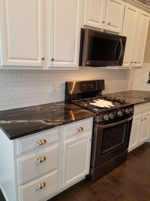 New countertops, appliances and backsplash
