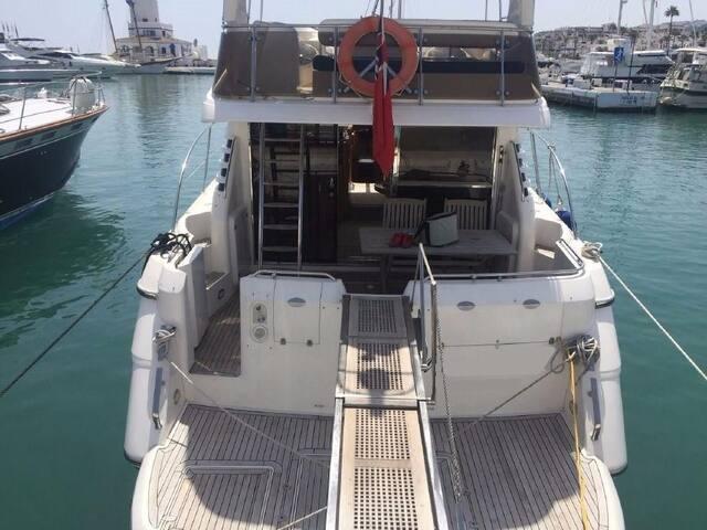 Luxurious 50ft motor yacht Lymington