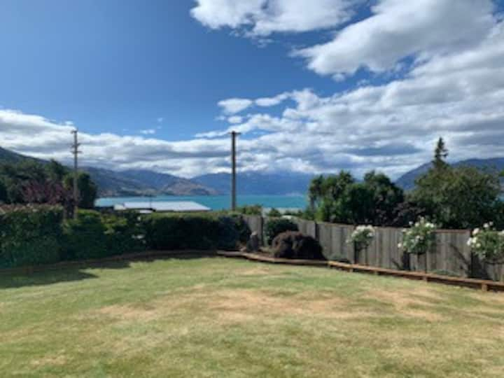 Lake Hawea Home with a View