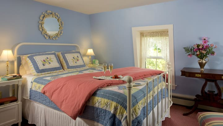 The Sloop - Harbour Cottage Inn Bed and Breakfast