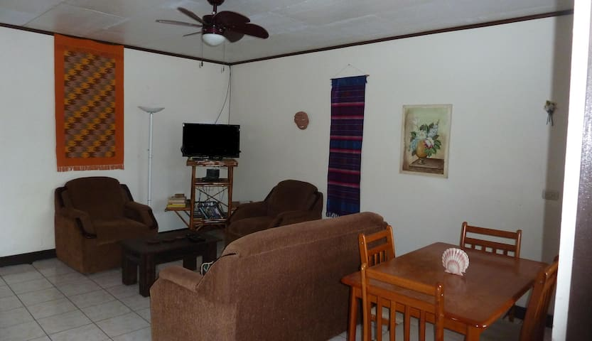 Riverside house in Turrialba - Turrialba - House