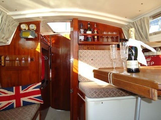 Family Yacht - Brighton - Bateau