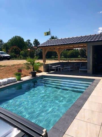 Maison 198m2 piscine terrain calme (refus animaux)