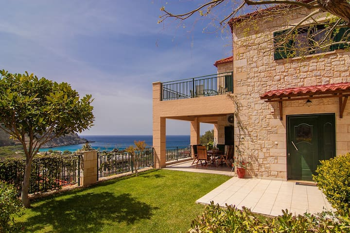 West Crete holiday villa with private pool