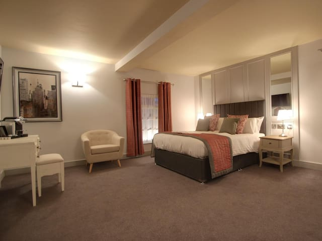 Junior Suite with sofa at Nine Jars Hotel