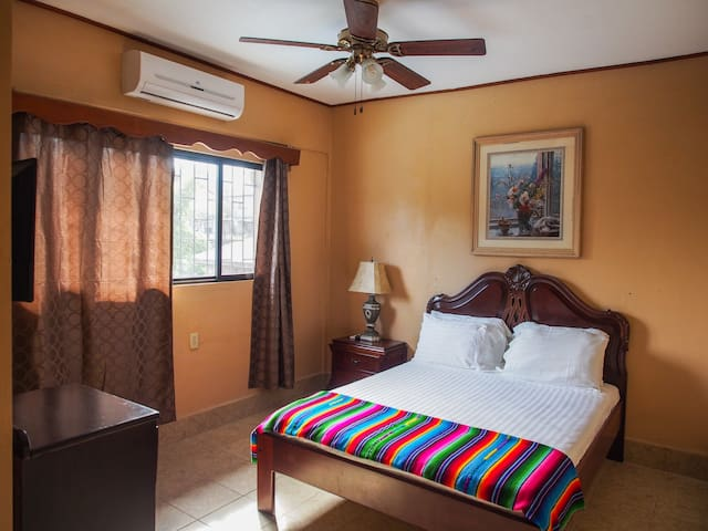 Tia Maria Guesthouse - Room 6 - San Ignacio - Apartment