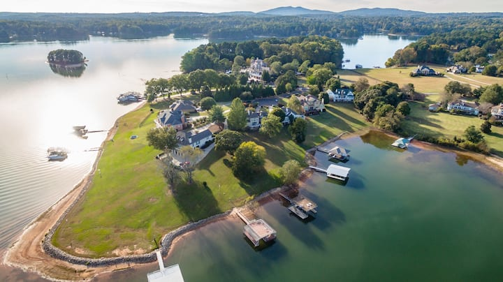 PARADISE at Lanier - HUGE Lakefront House