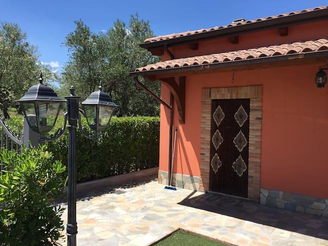 Villa L'Oliveto - charming countryside home
