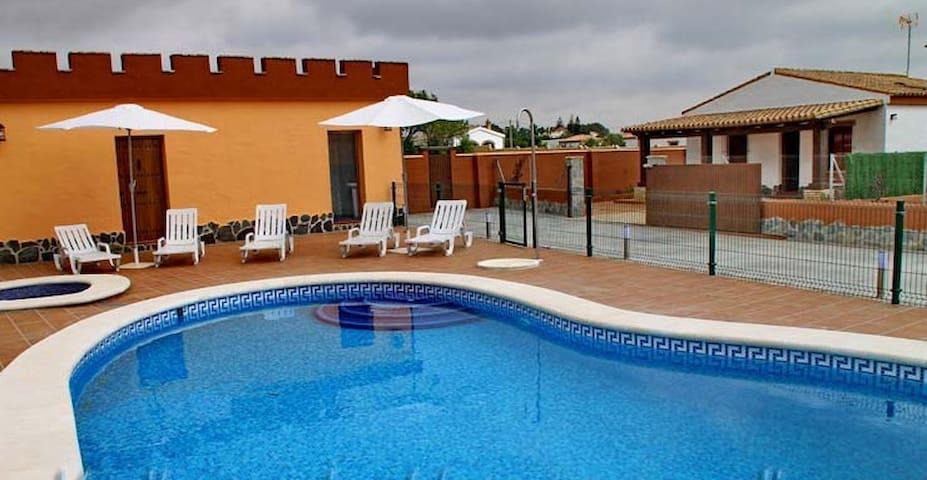 chalet con piscina comunitaria y aire acondicionad - Conil de la Frontera - Apartment