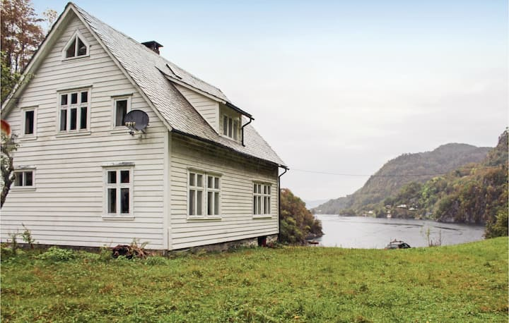 Awesome home in Lundegrend with 3 Bedrooms