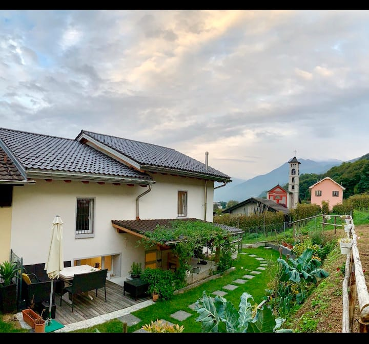 ★ Stylish & Comfy Villa ★ in Gambarogno