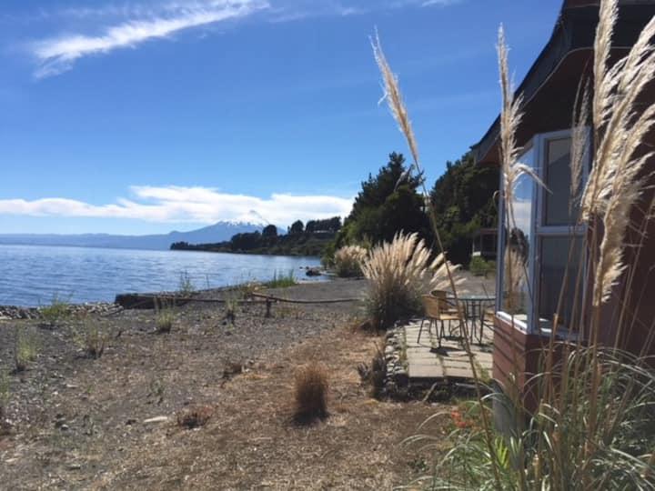 Casa de Matilde, junto al lago y mirando volcanes