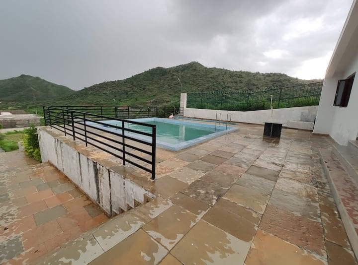 Green Hill - Private Villa