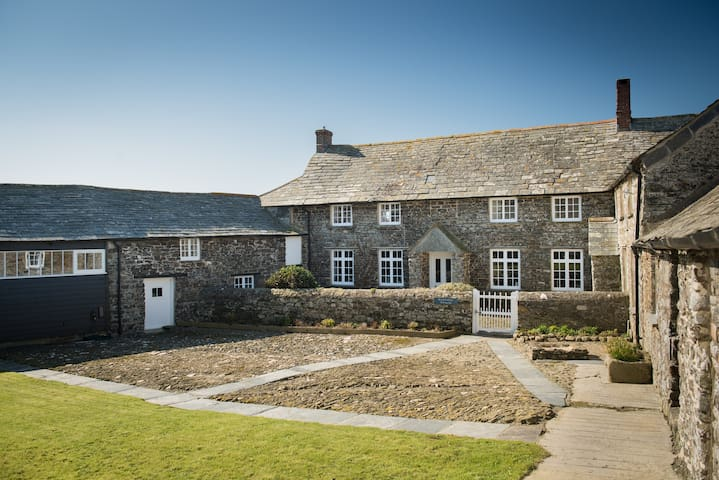 16th century farmhouse perched on the cliffs of North Cornwall
