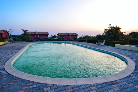 Villa with swimming pool & garden