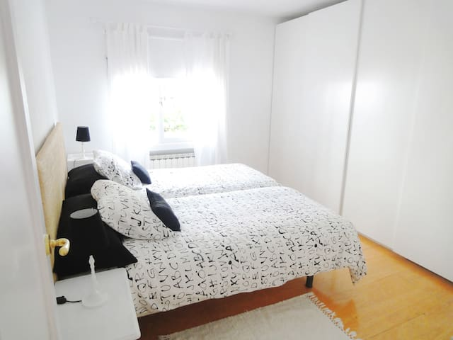 COSY & CHARMING flat with Wifi - Madrid - Appartement