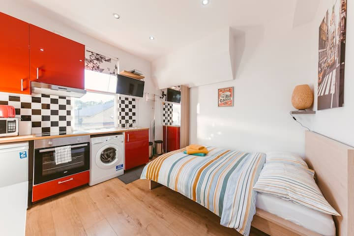 Charming and cosy studio 2 min from station