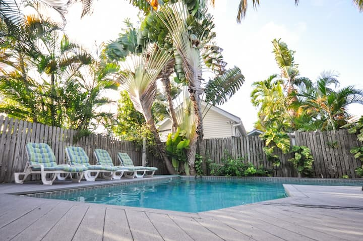 Louisa House: A comfortable four bedroom vacation hideaway
