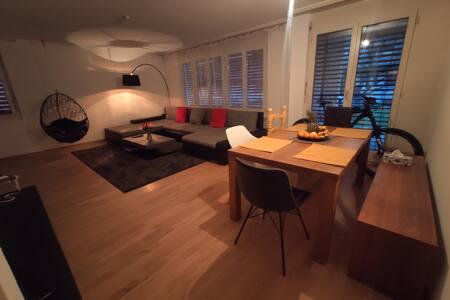 Sunny apartment in quit location.