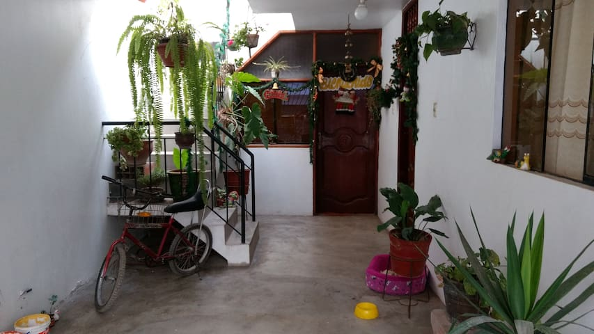 Family House, 10 min from Airport - Distrito de Lima - House