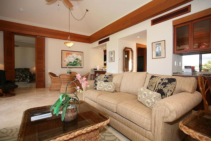 MG301-Deluxe 1Bdrm, 2 Bath Condo With Oceanfront Views!