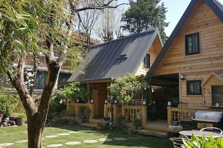 Seoul Loft house, 복층 통나무집, 바베큐, 서울도심속힐링 #Left