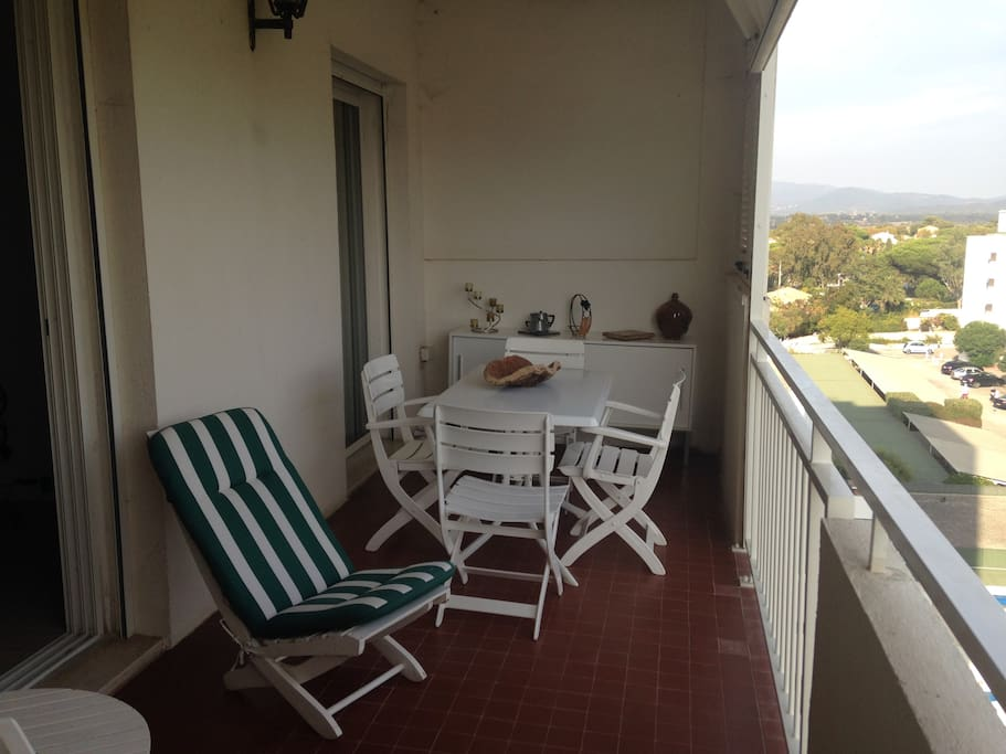 Grand terrasse/Large terrace
