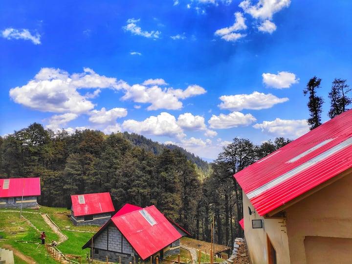 Hut With Attic | Offbeat | Tranquil | Narkanda