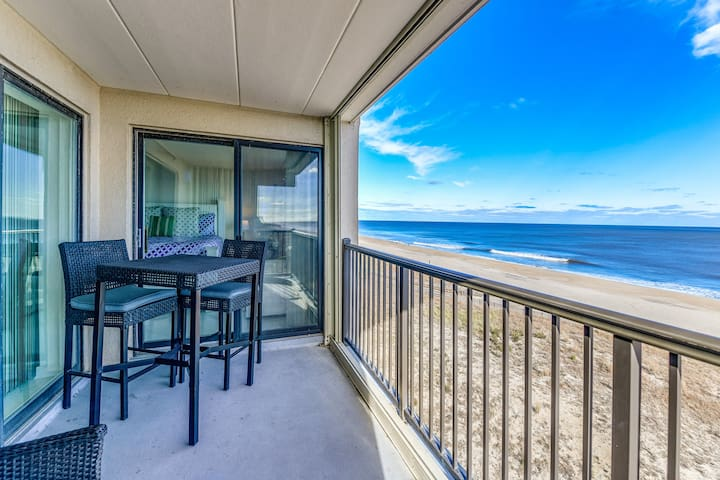 Gorgeous north view from the balcony from this direct oceanfront condo